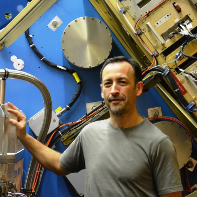 Frank Oßwald am Teleskop; copyright @ DSI