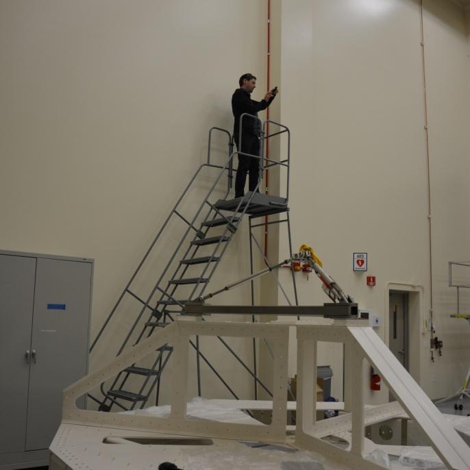 Mario Koch fotografiert die Mirror Coating Facility