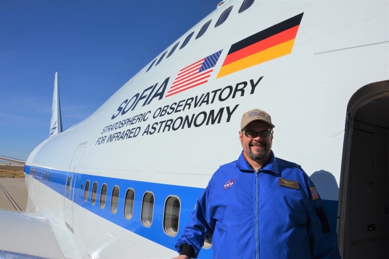 Karsten Schraut vor seinem Flug mit SOFIA