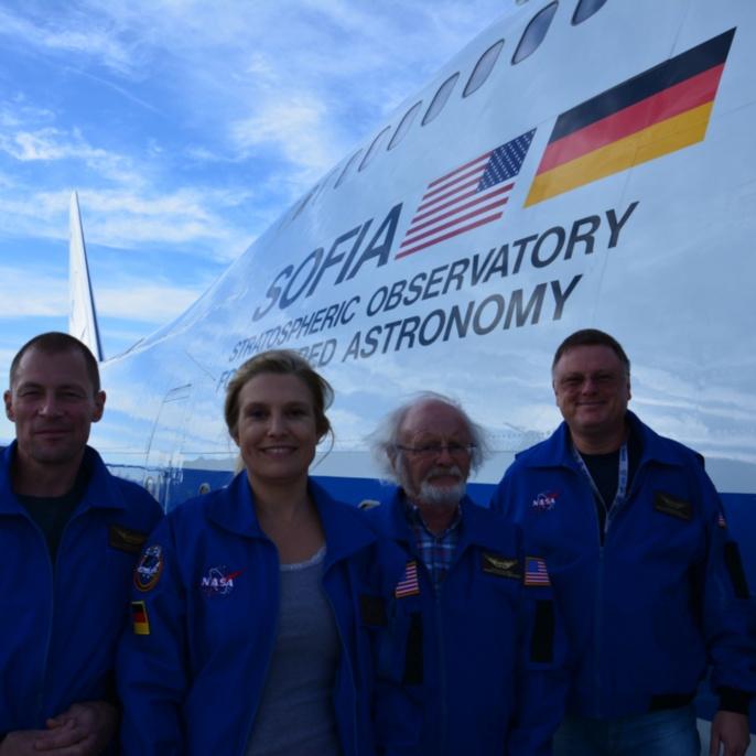 Lehrkräfte vor ihrem ersten SOFIA-Mitflug