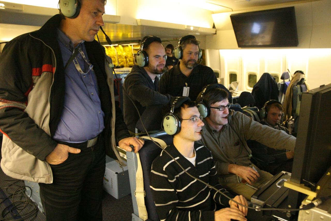Das FIFI-LS Team untersucht die ersten Beobachtungsdaten von FIFI-LS