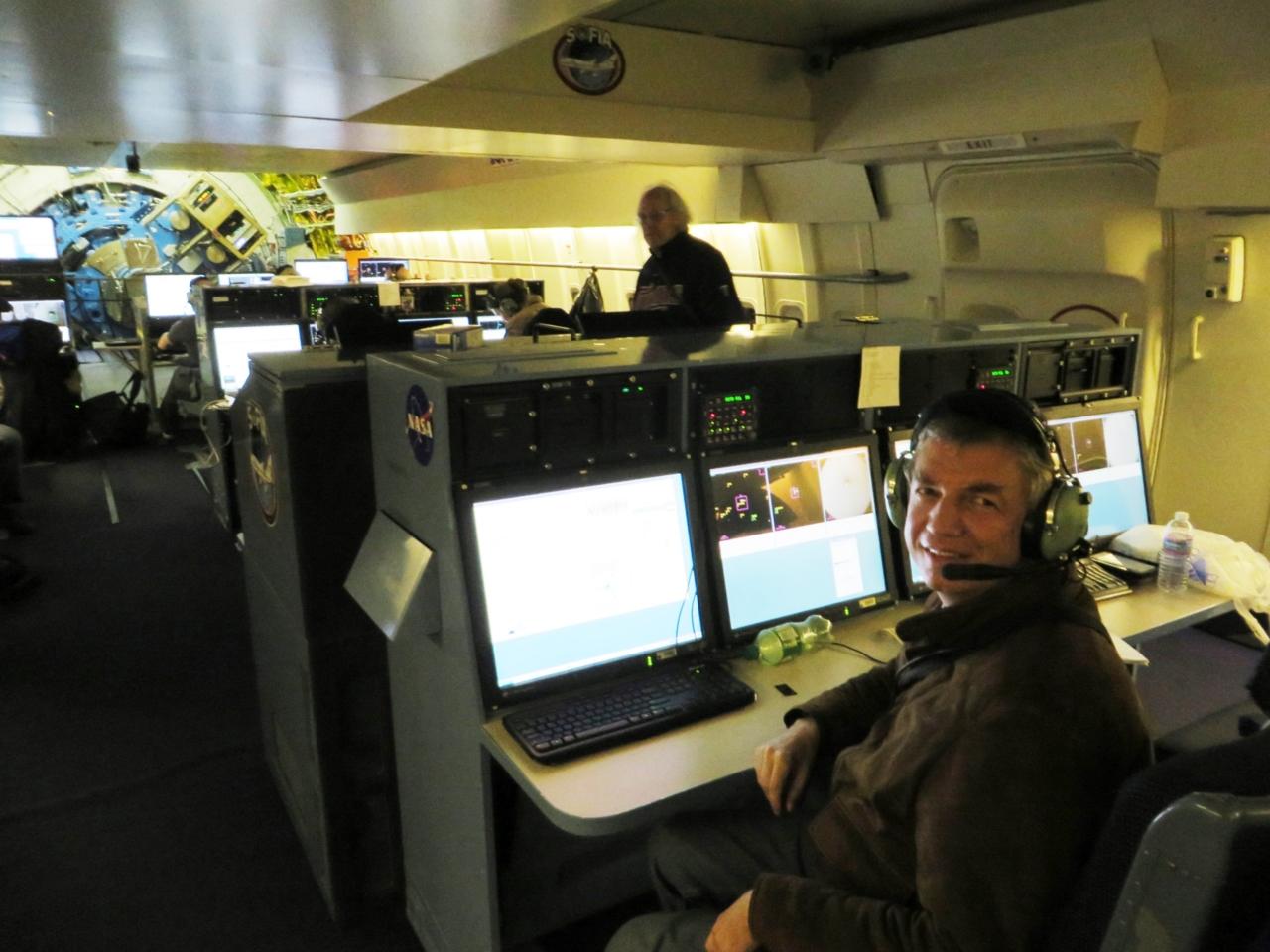 Matthias Steimetz verfolgt die SOFIA Beobachtungen von seinem Besucherplatz aus
