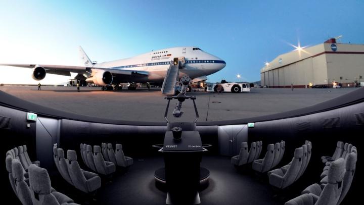 """Die Show """"50.000 Fuß über dem Meer - die fliegende Sternwarte SOFIA"""" bei der Premiere im Planetarium Laupheim im Oktober 2019."""